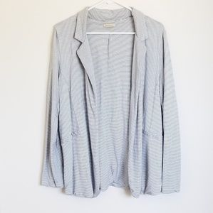 Anthropologie brand Bordeaux Super Soft Blazer